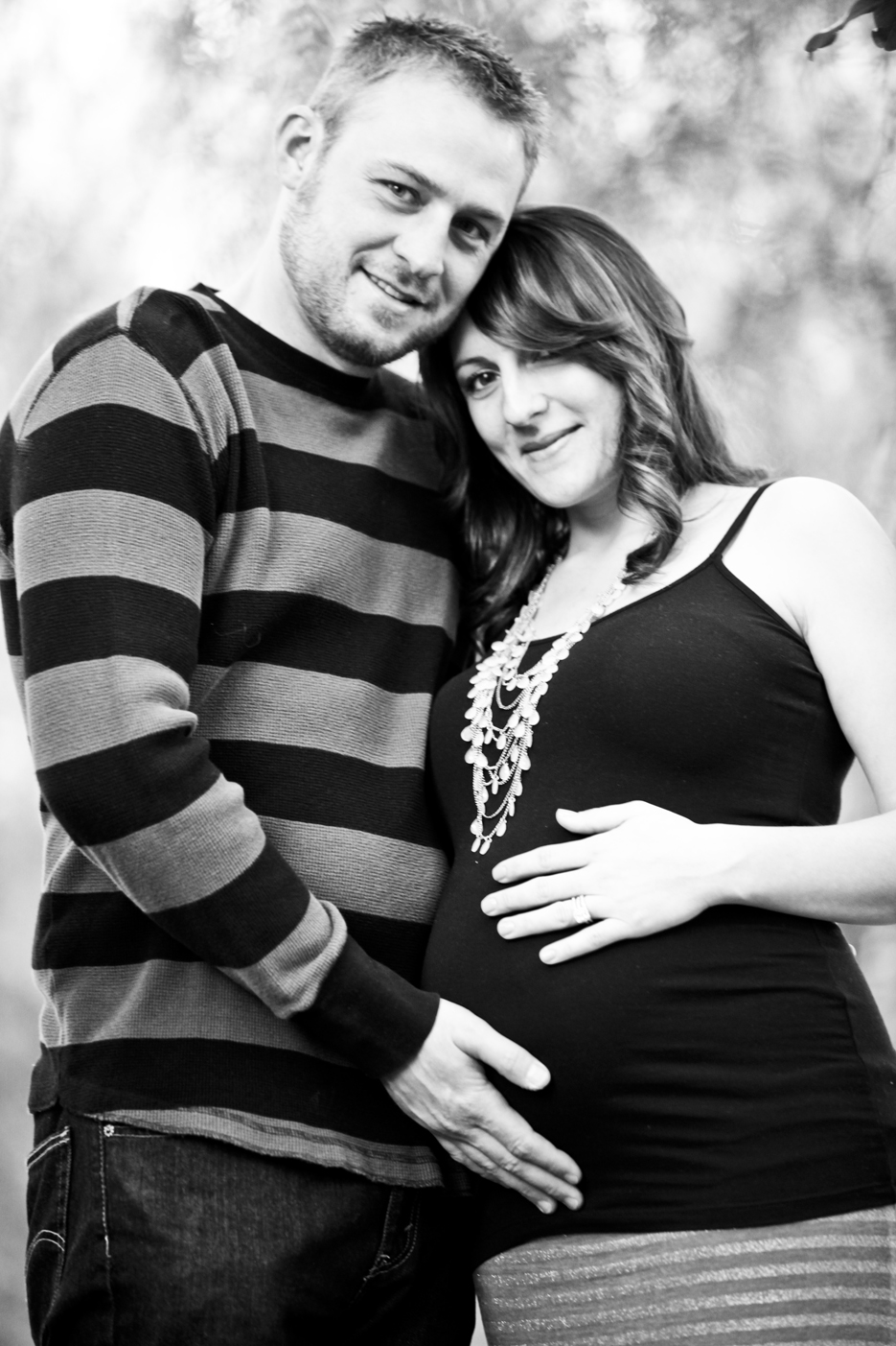 Our Pregnancy 15 Pregnancy Shoot in the Park, Orange County